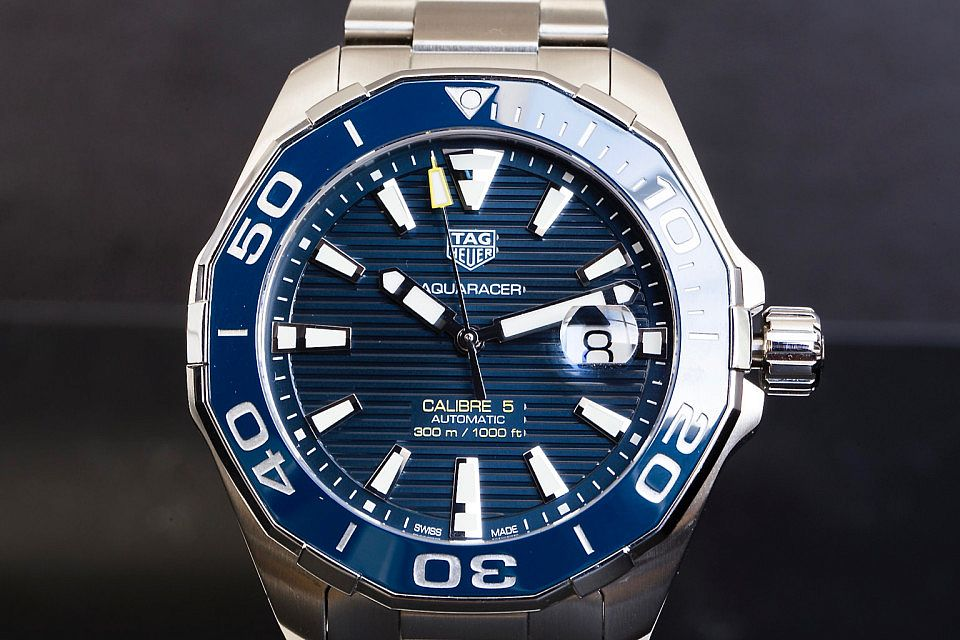 2016-TAG-Heuer-Aquaracer-Calibre-5-43mm-960x640.jpg