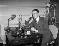 250px-Radiotjänst_1937[1].jpg