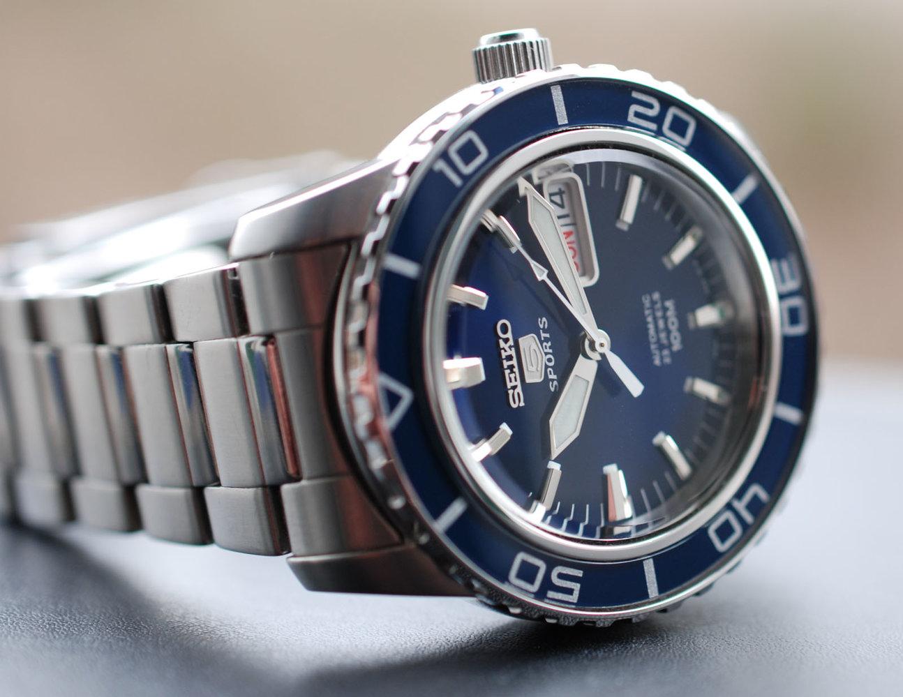 602548d1365933517-seiko-glossy-blau-snzh53k1-001.jpg