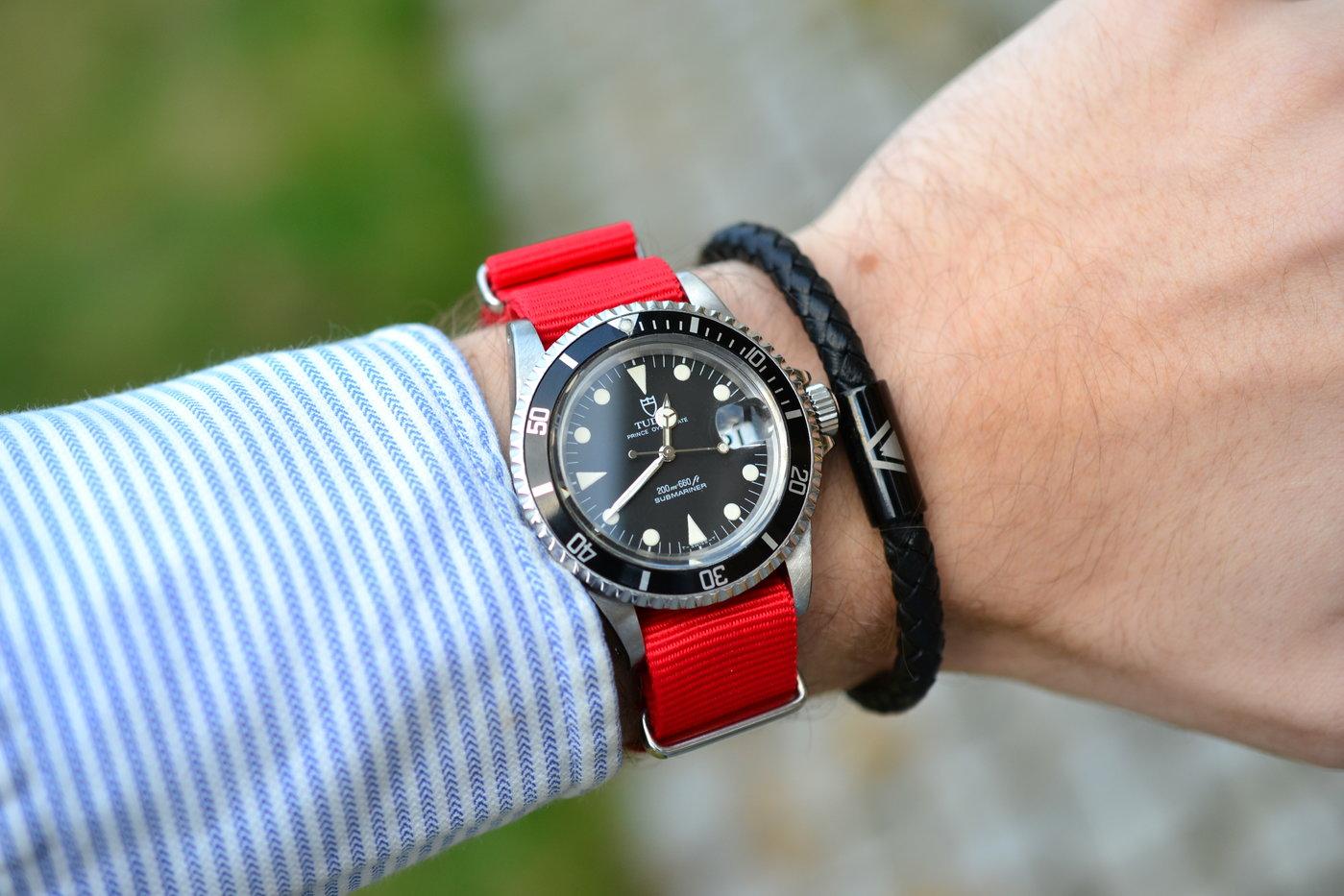 79090 rött NATO + svart band.JPG