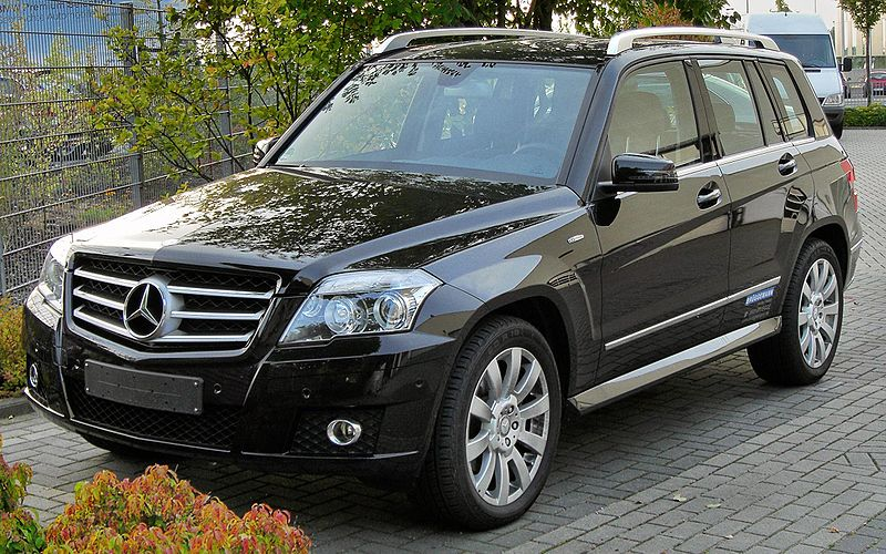 800px-Mercedes_GLK_220_CDI_BlueEFFICIENCY_front_20090920.