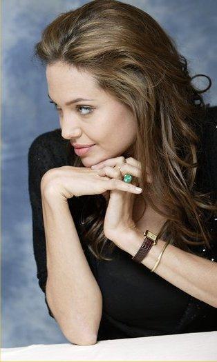 Angelina_Jolie_cartier-tank-watch.jpg