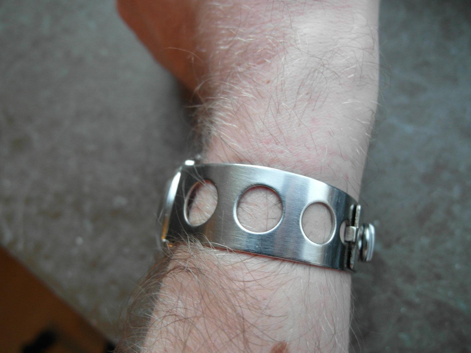 armband 2.JPG