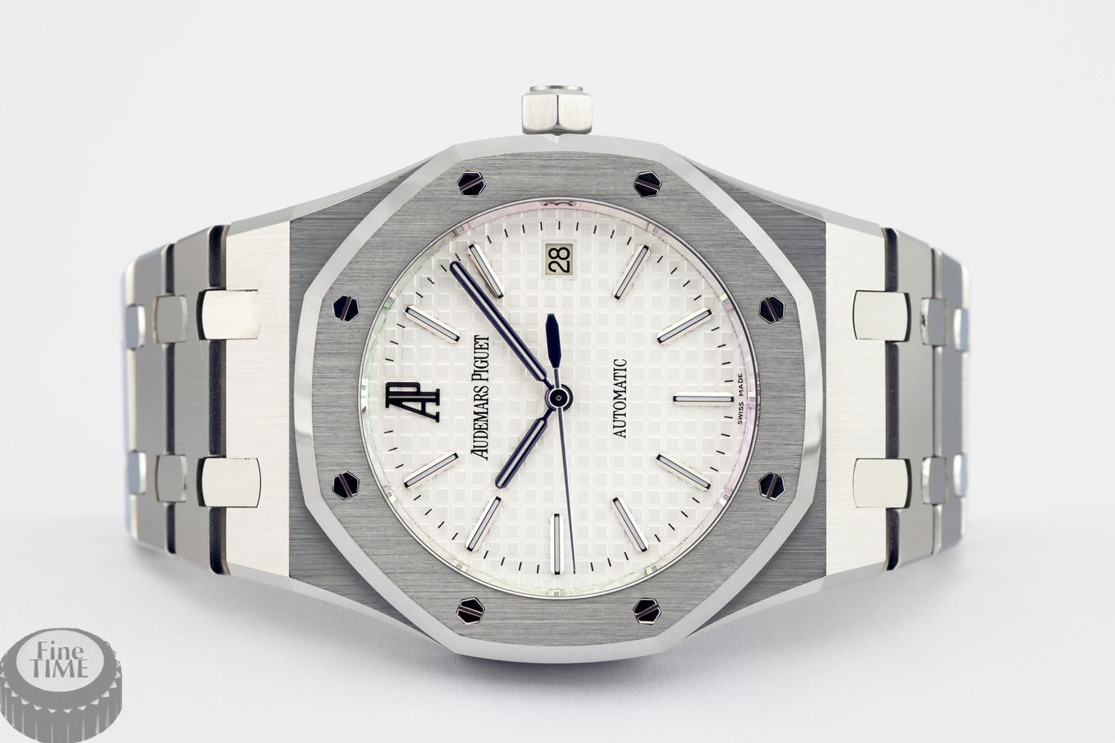 audemars-piguet-royal-oak-date-15300st-oo-1220st-01-01.jpg