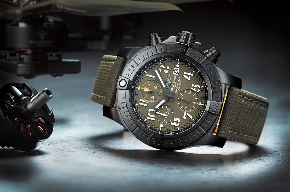Breitling_Avenger-Chronograph-45-Night-Mission_reclining_10001.