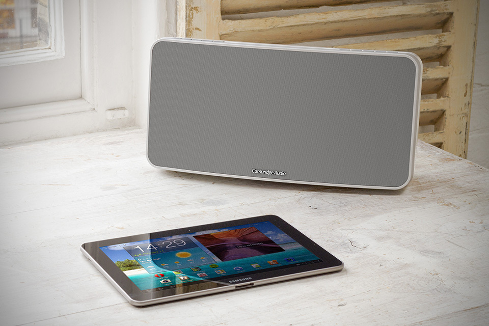 Cambridge-Audio-Minx-Air-100-Wireless-Speakers-with-Android-Tablet.jpg