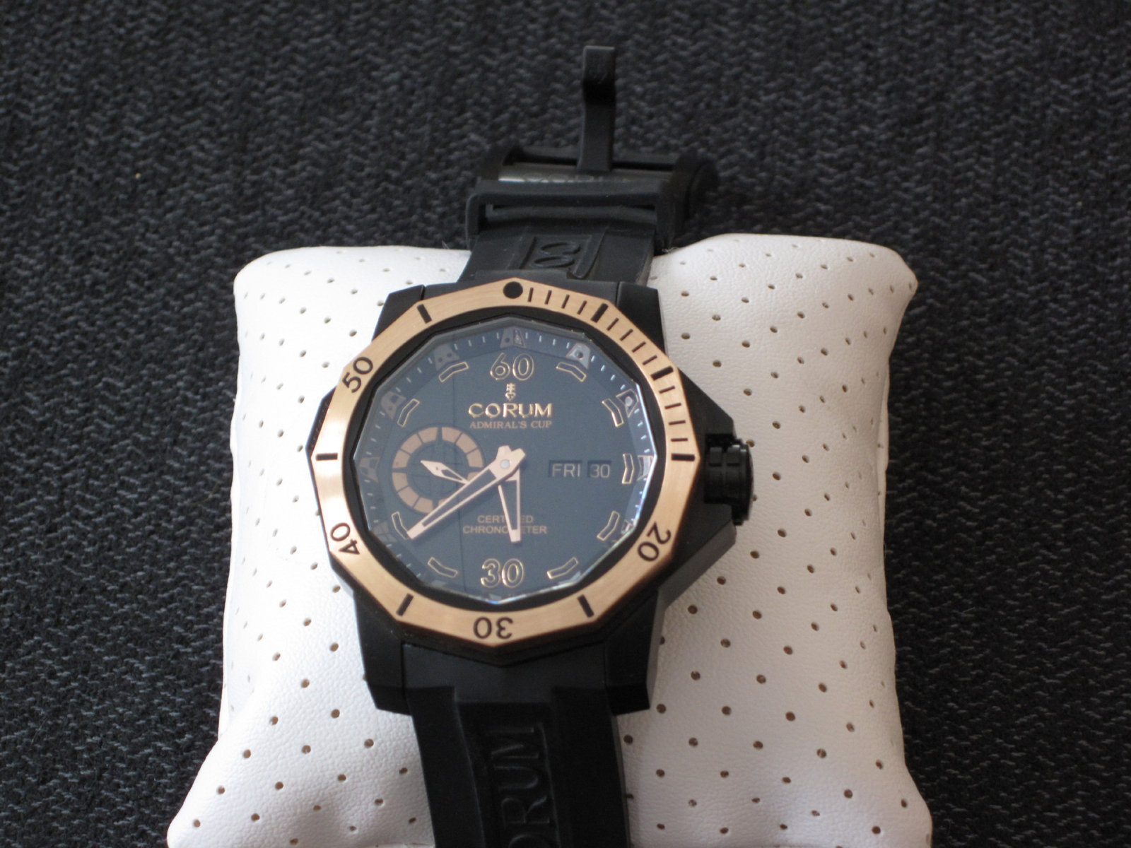Corum Admiral's Cup Seafender 48 Deep Dive limited ed 019-100 front.jpg