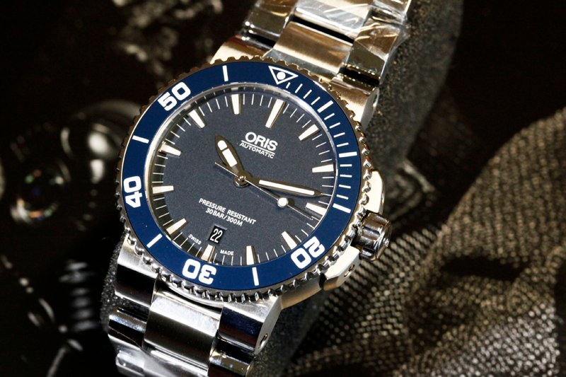 Friends of Oris Aquis Date Blue Dial 1.jpg