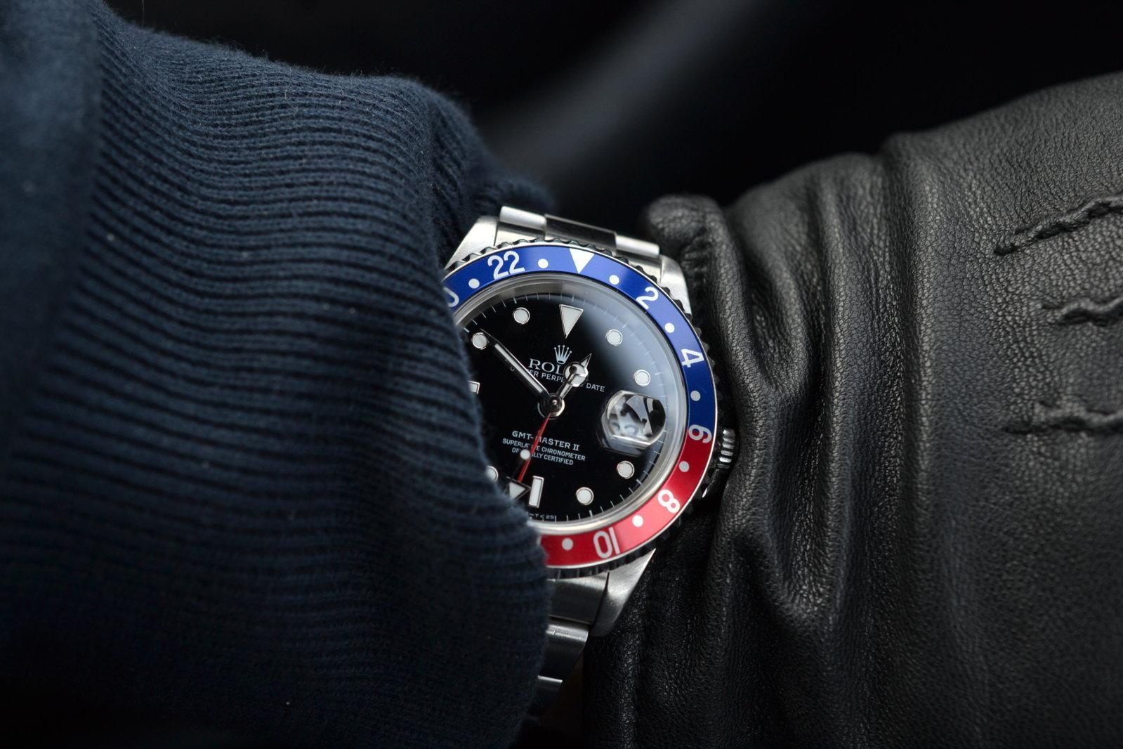 GMT wristshot med skinnhandske.JPG