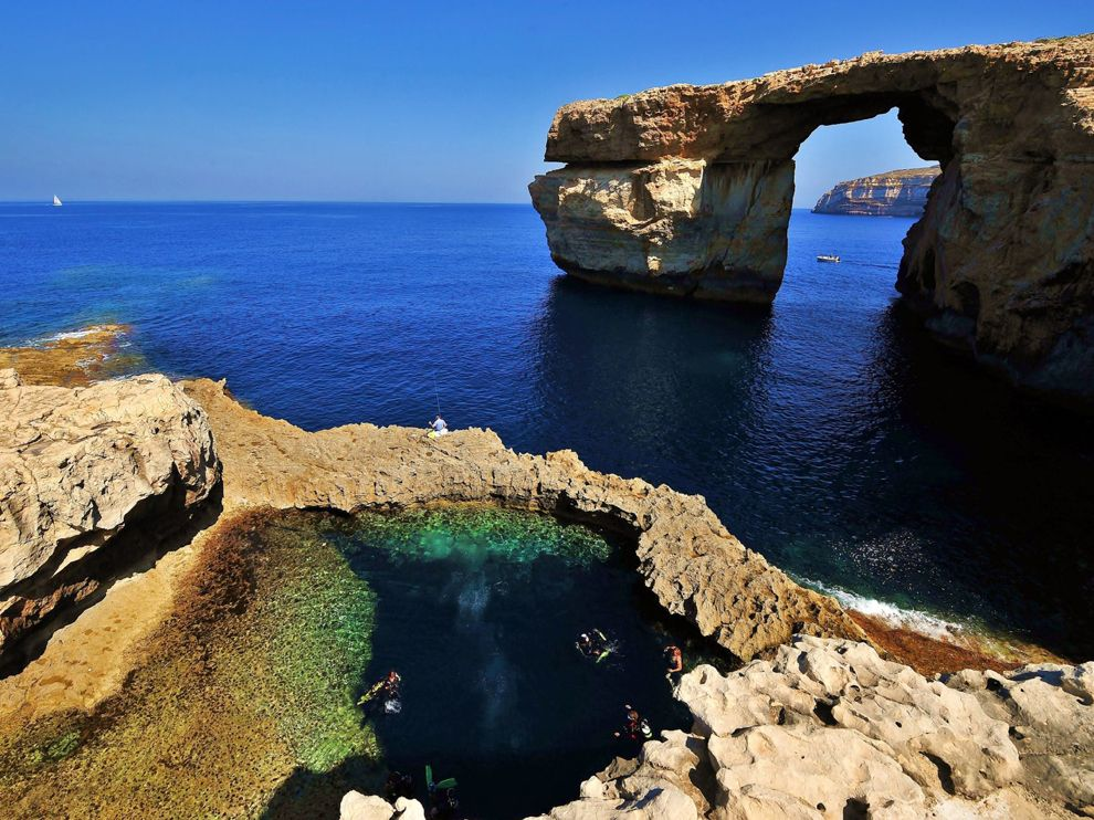 gozo-malta-diving_27045_990x742.jpg
