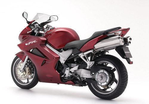 Honda_VFR800_st1pz.jpg