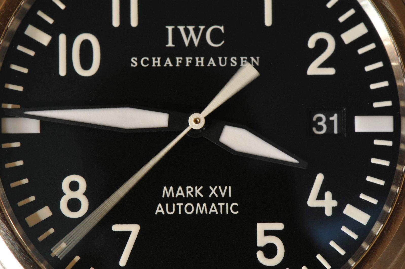 IWC M Macro 2-3.jpg