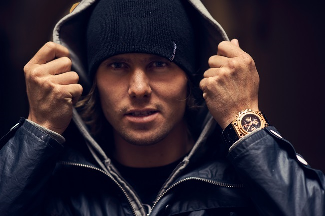 Jon_Olsson_sporting_SpidoSpeed_Gold2.jpg