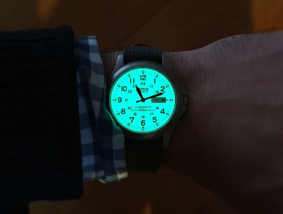 **** La montre du jour ! Vol. 38**** Lampglow-jpg