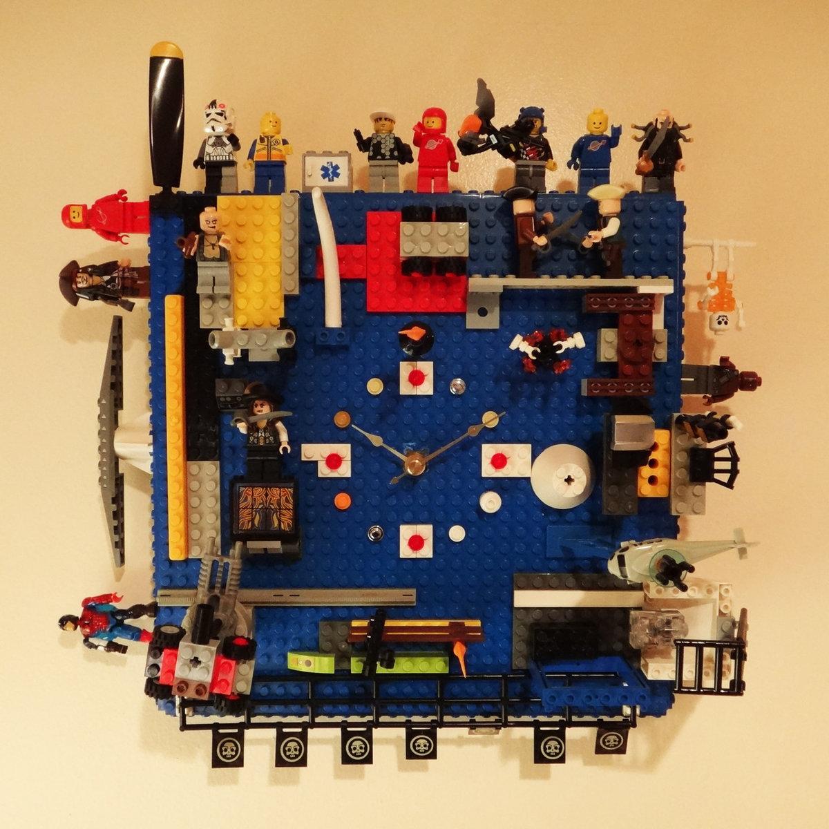 lego-clock.jpg