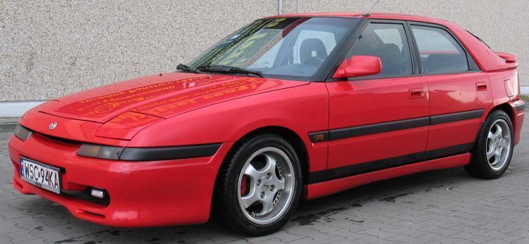 Mazda 323 F DOHC.