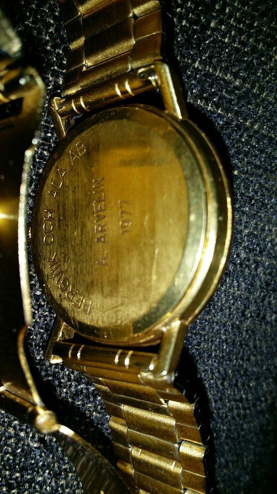 omega guldklocka baksida.jpg