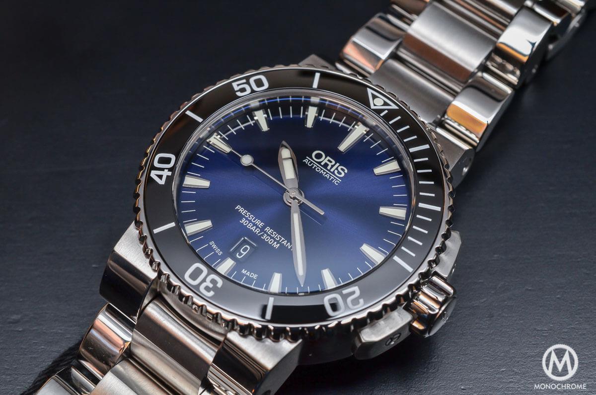 Oris-Aquis-Date-Gradient-Blue-4.