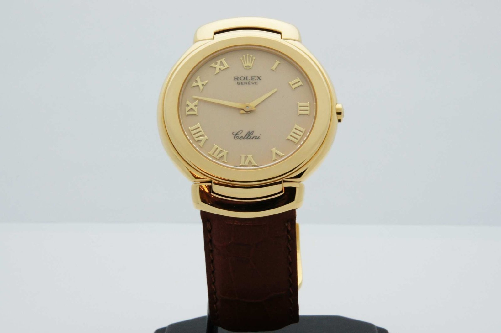 Rolex-Cellini-Geneve-Quartz-18kt-Yellow-Gold-1.jpg