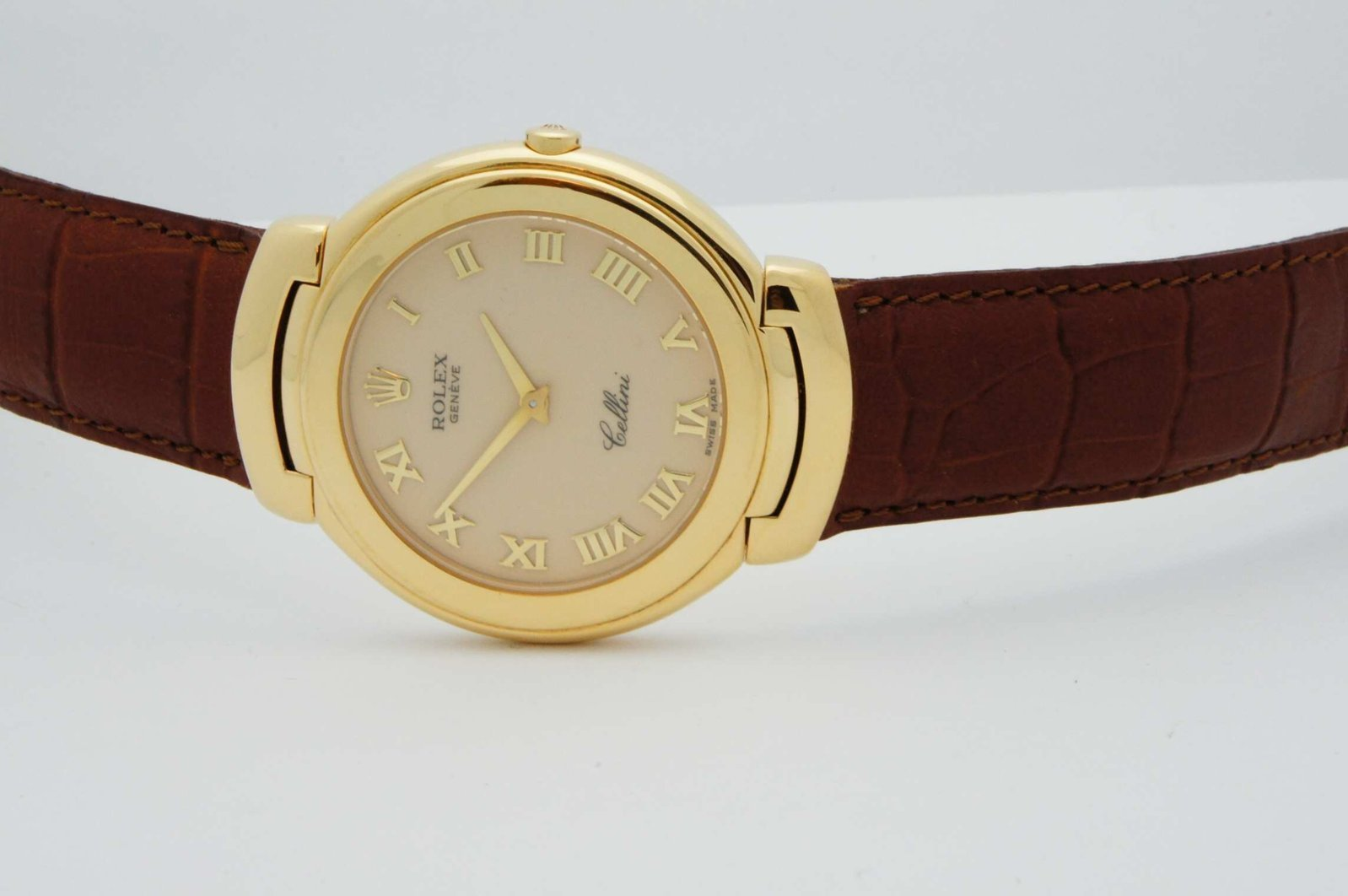Rolex-Cellini-Geneve-Quartz-18kt-Yellow-Gold-2.jpg