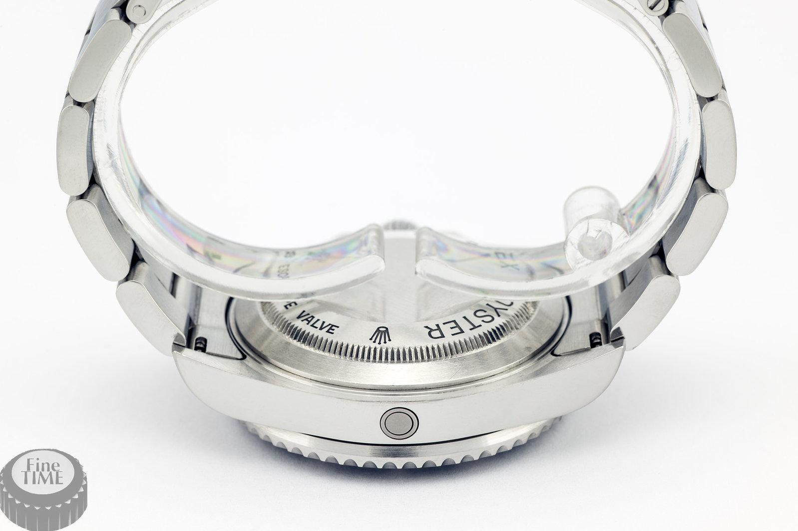 rolex-seadweller-16600-m-04.jpg