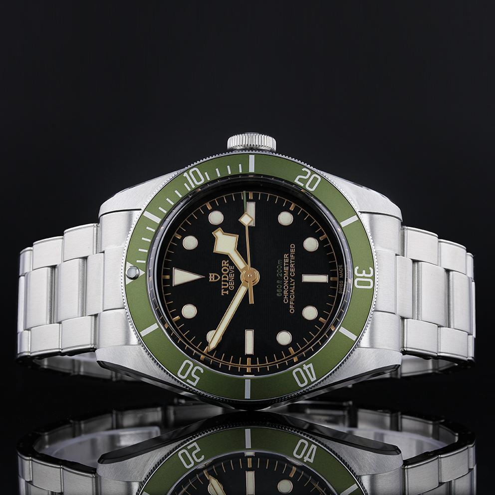 tudor-black-bay-green-bezel-main-2_2aeea366-e79a-4bdd-8260-9dc0be319229_1024x1024.