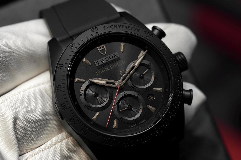 Tudor-Fastrider-Black-Shield-bronze-thumb-960xauto-18303.jpg