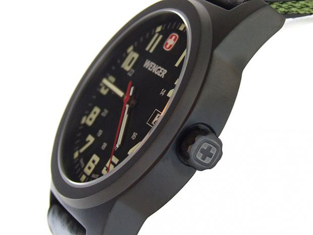 Wenger-Field-Classic-72814W-Gunmetal_981-1.jpg
